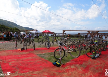 Zona cambio - 30EGGS Triathlon Cross Super Sprint